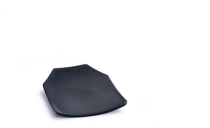 Saint-Gobain fournit les céramiques les plus innovantes, fiables et homogènes au monde pour les systèmes de blindage composite. Les matériaux céramiques légers et performants de Saint-Gobain sont conçus pour se protéger des menaces balistiques actuelles et émergentes.