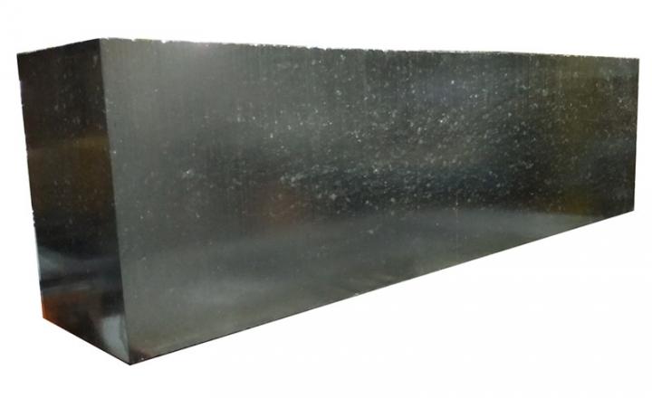 镁碳 (MgO-C) 砖是一种通过先进的显微结构工程开发的新技术。