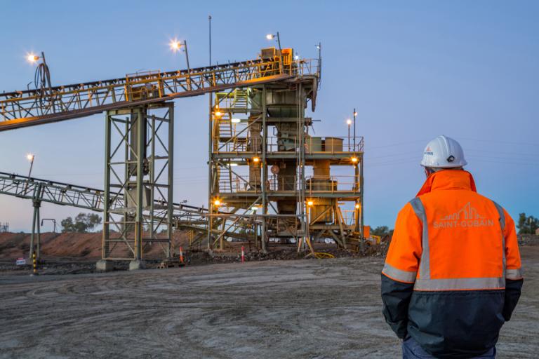 Wear Resistance Technologies peut personnaliser les produits et les solutions en fonction des besoins des clients en matière d'abrasion, d'érosion et de corrosion. Notre objectif principal est d'assurer les performances, l'efficacité et la durée de vie optimales des équipements et systèmes des clients ; tout en alignant nos valeurs sur la durabilité et les objectifs sans carbone.