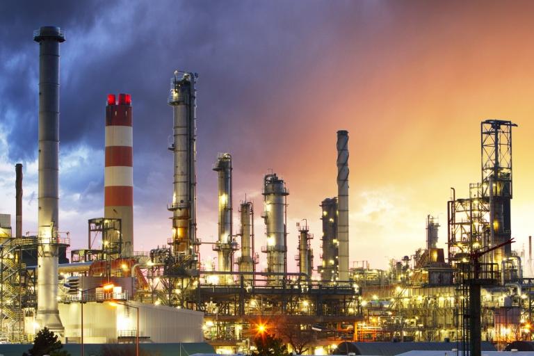 Saint-Gobain offre une conception, une ingénierie, des produits et des services de revêtements réfractaires inégalés à l'industrie pétrochimique du monde entier.