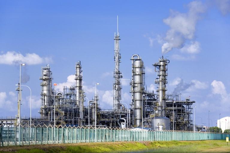 Saint-Gobain 为废弃物能源回收行业的热处理提供出色的耐火材料解决方案。 即使在苛刻的条件下,我们的管子保护系统也能可靠地保护管壁。 我们基于碳化硅(SiC)的抗氧化和高导热性材料具有多种配方,可以满足您定制的热学和化学要求。
